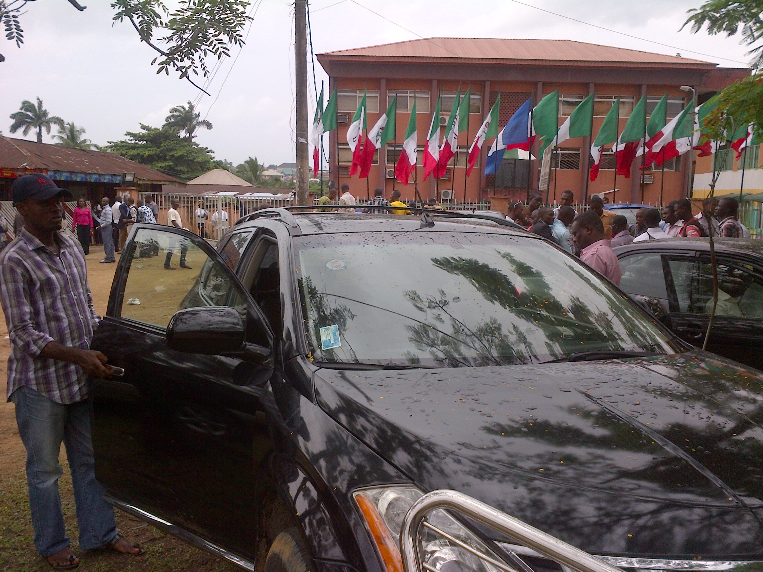 An aspirant arriving the PDP state secretariat earlier today