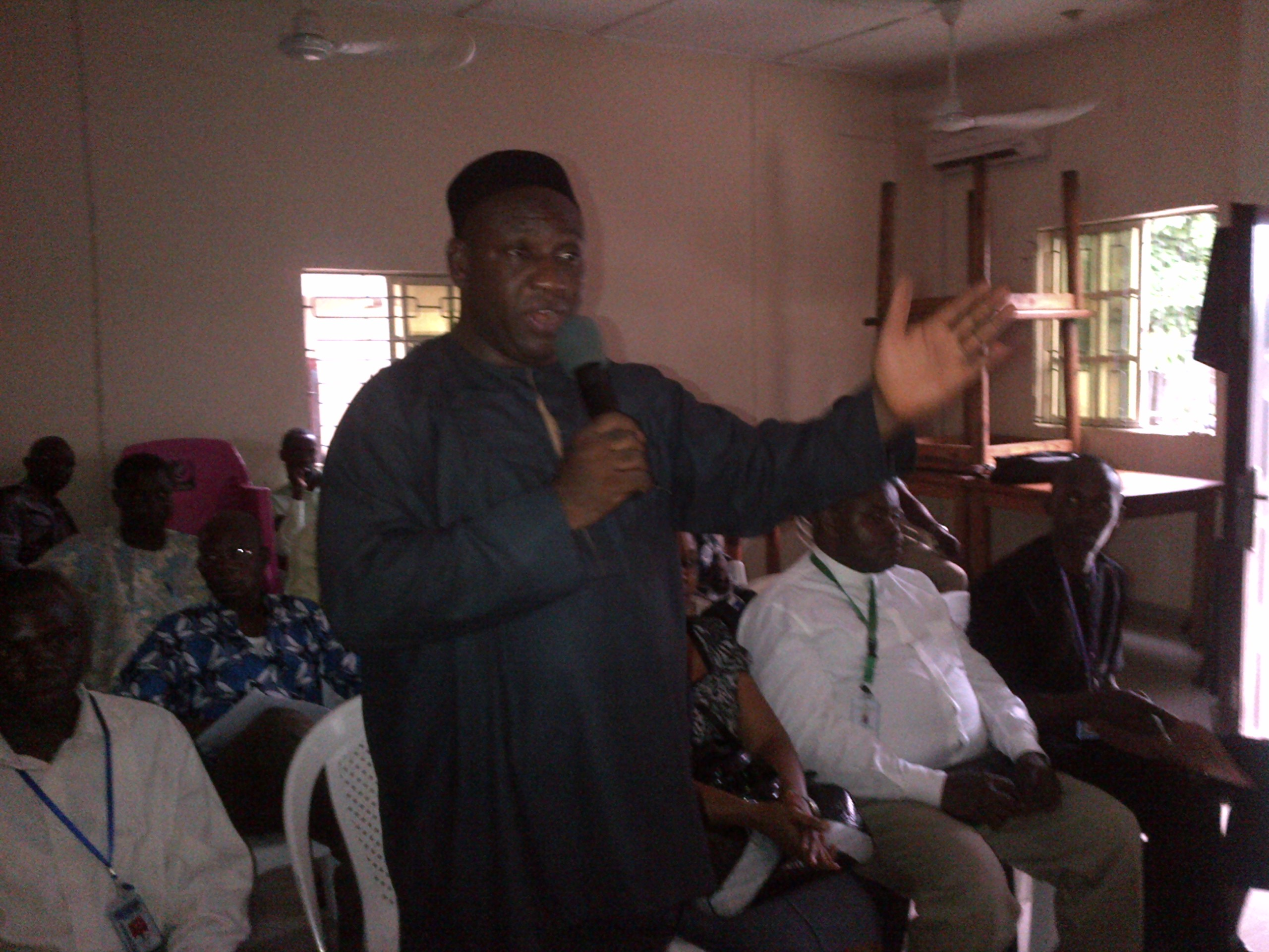 Coordinator of the Federal Technology Incubation Centre addressing journalists on the visit