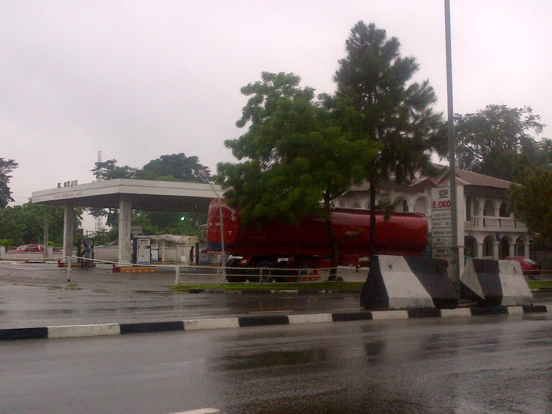 Fuel Scarcity Caused By Face-Off Between Cross River Government And Petroleum Marketers