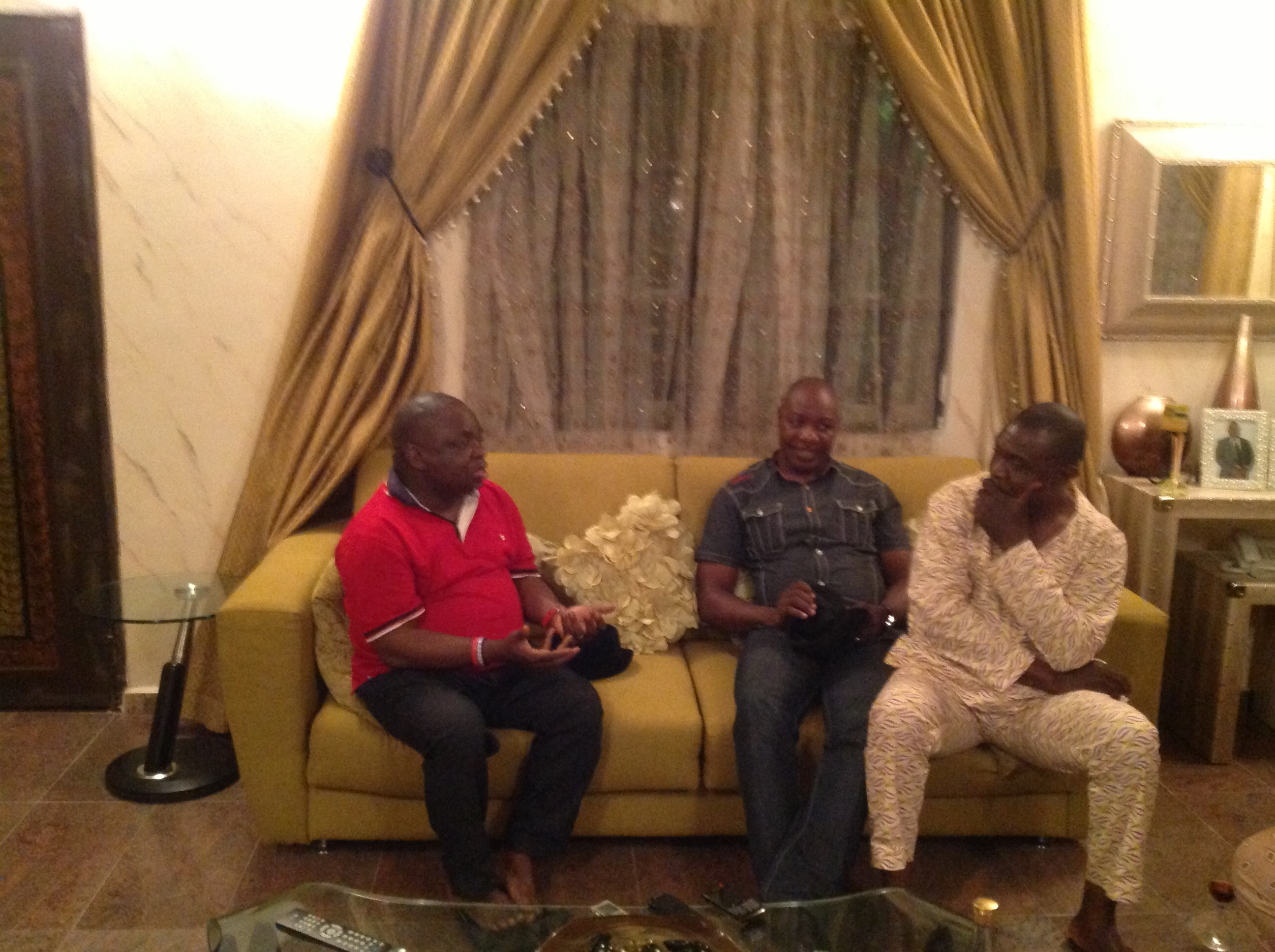 Chief Alex Egbuna making a point to two members of the Editors Guild