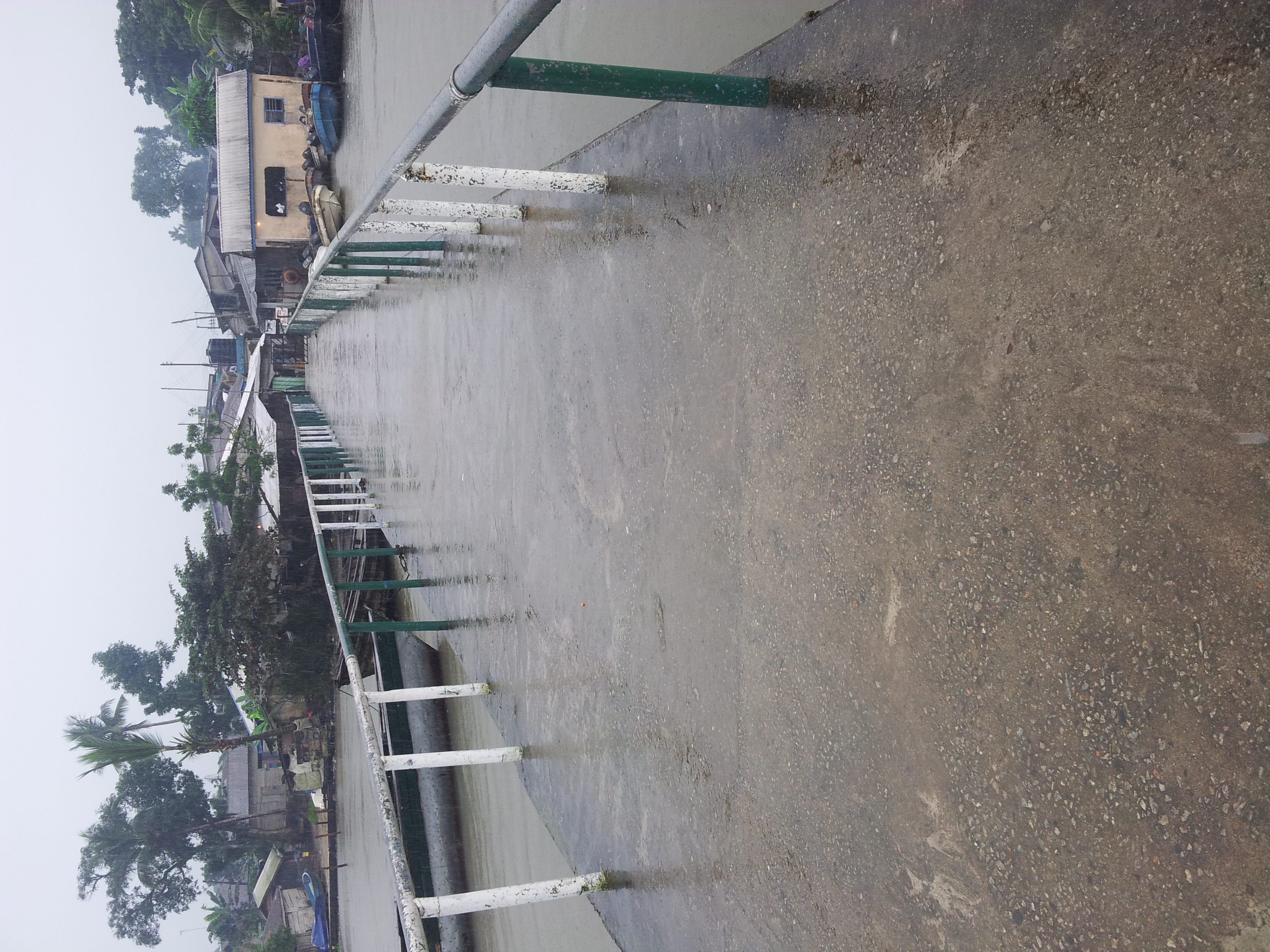 Busy Ikang Beach bridge deserted in compliance with the no movement order