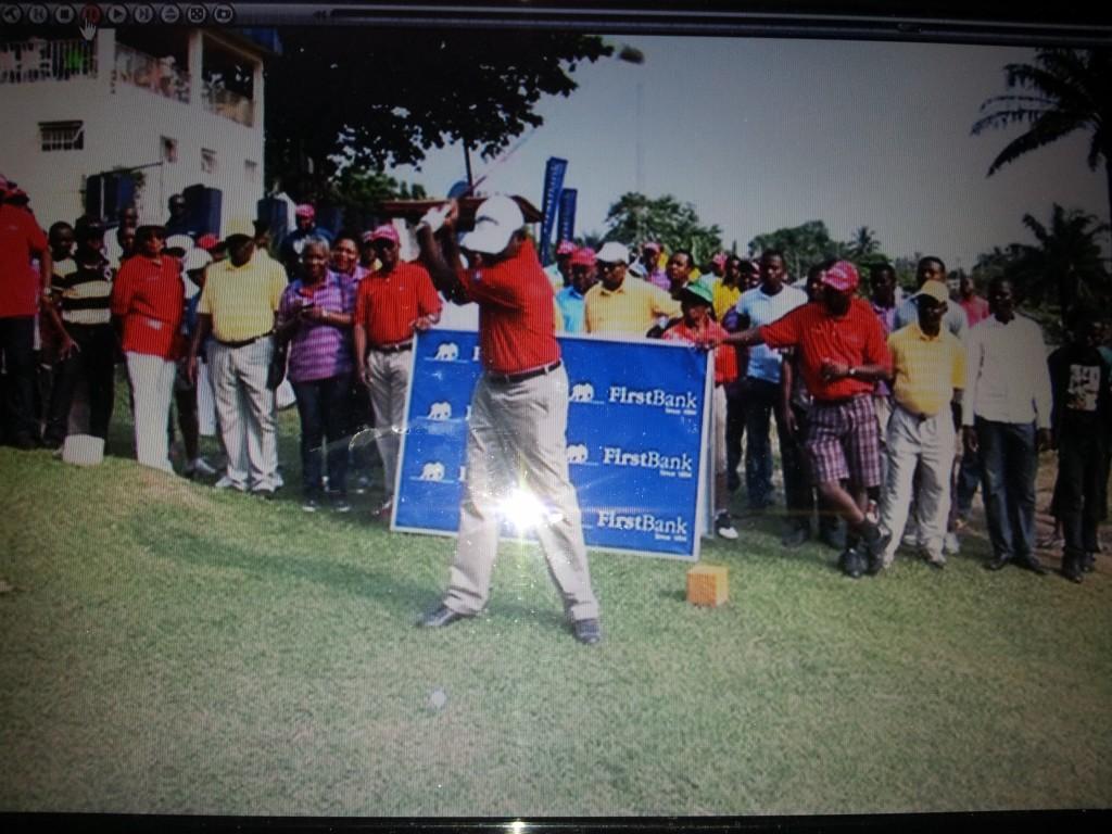 Governor Imoke doing the tee-off
