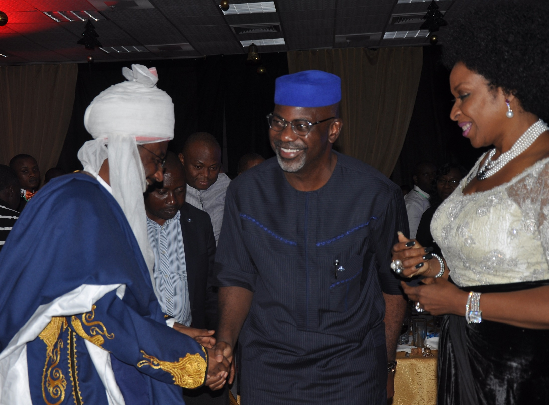 Central Bank Governor, Mallam Sanusi Lamido Sanusi, welcoming Governor Liyel Imoke of Cross River and wife Obioma to the Bankers' Committee Gala night at the end of the body's annual retreat in Calabar, weekend