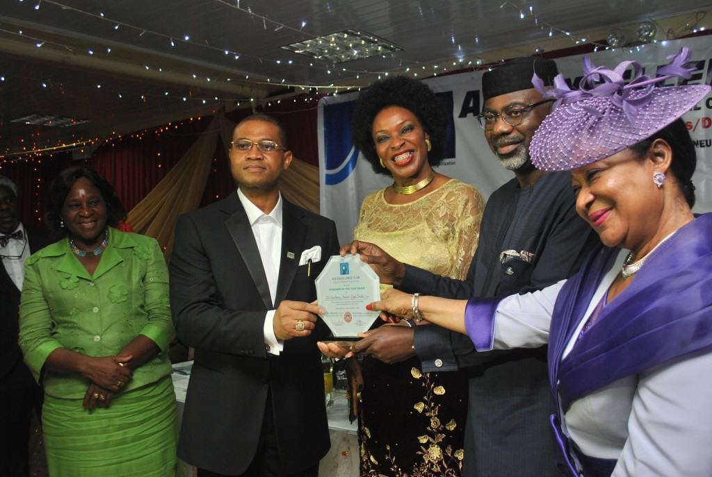 Cross River State Governor, Senator Liyel Imoke, his wife Obioma, Nike Akande and Dr Ausbeth Ajagu after bagging Governor of the Year Award