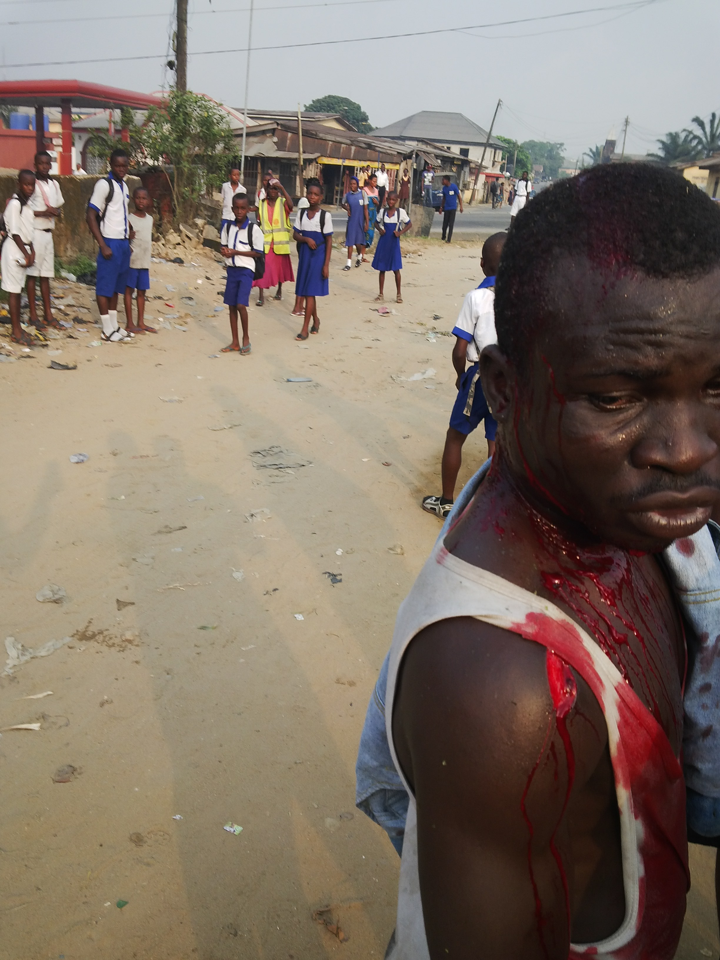 Angry Mob Butchers Laptop Thief in Calabar