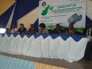 Hon Rose Ayim, Chairman, Ogoja LG (middle), the flanked by the Paramount Ruler of Ogoja during the launch