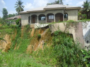 House at the edge of a gully in Nyaghasang community in Calabar South LGA