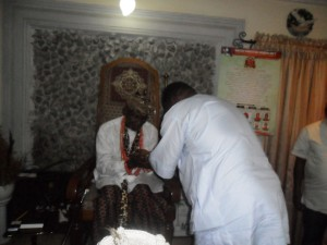 Goddy Jedy Agba receiving royal blessings from, Muri Munene of the Efuts, Effiong Mbukpa