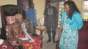 Abi Chairman 2 Hon Mrs Edith Amadi at the palace of the Obol Lopon of Ugep and Paramount of Yakurr LGA HRH Obol Ubi Ujon Inah