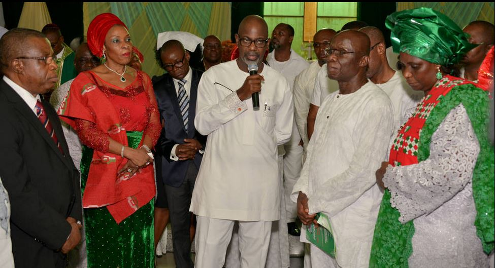 Governor Imoke, (middle) speaking at the PDP exco get together. He is flanked by his wife, to the right and the state chairman of PDP, Ntufam John Okon and his wife to the left