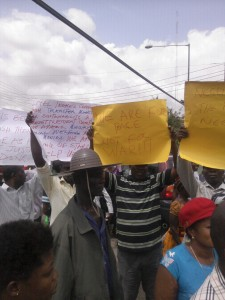 The Bakassi returnees protesting at the governor's office this morning