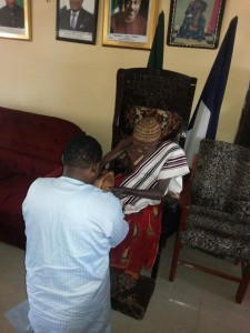 Prince Goddy Jedy Agba receiving the blessing of the Paramount Ruler of Yakurr, Obol Lopon during the consultative visit