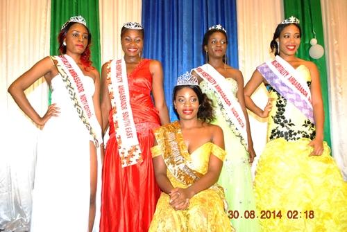 Winner, Miss Elizabeth Ndukwe (sitting) Stanidng L-R: Second Runner-up, Emmanuella Emweazu; 4th runner Itauma Idara; 3rd Margaret Ejim; 1st runner up, Esther Ephraim