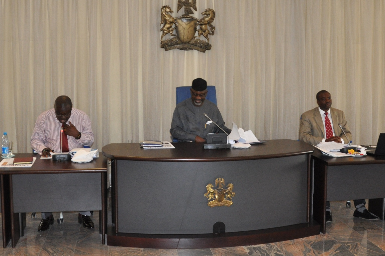 Governor Liyel Imoke (center) flanked by Efiok Cobham, Deputy Governor and Mike Aniah, SSG in a State Executive Council Meeting (file picture)