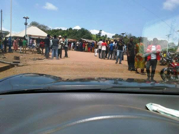 The angry mob took over Sankwala streets