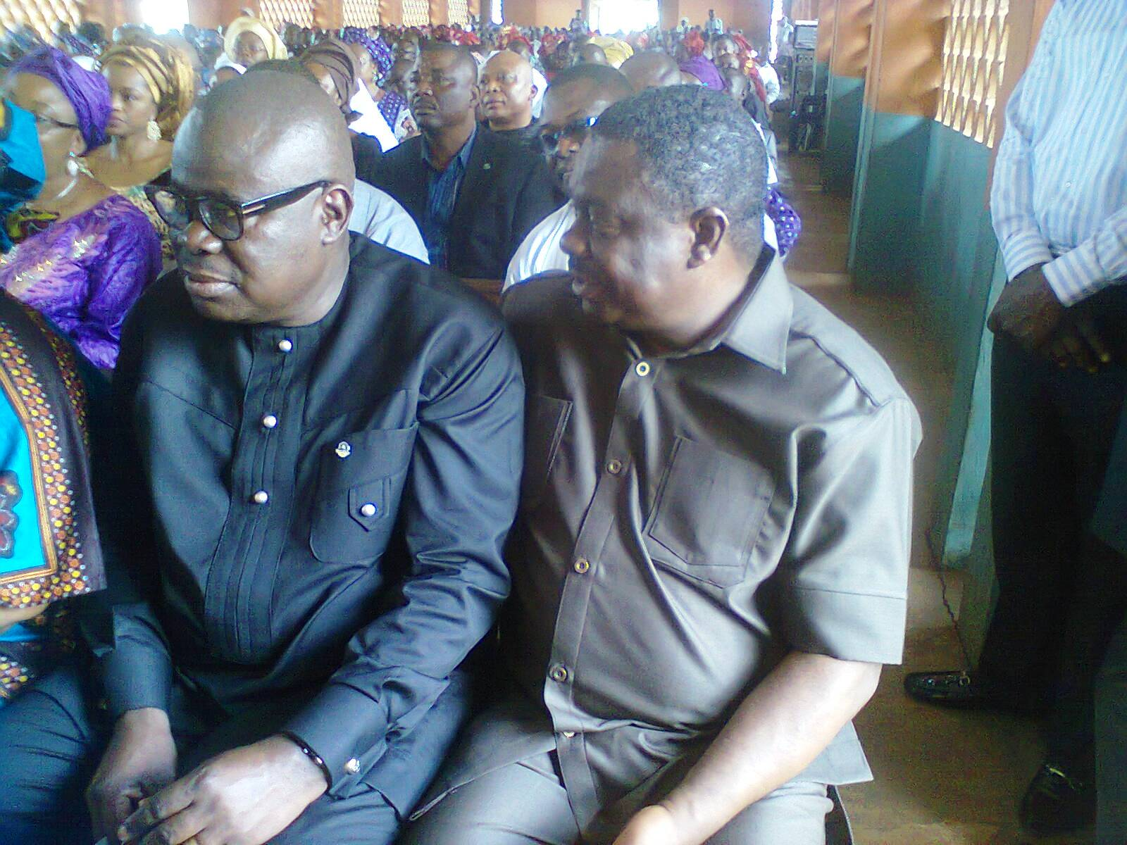 Deputy Governor, Efiok Cobham representing Governor Imoke at the burial