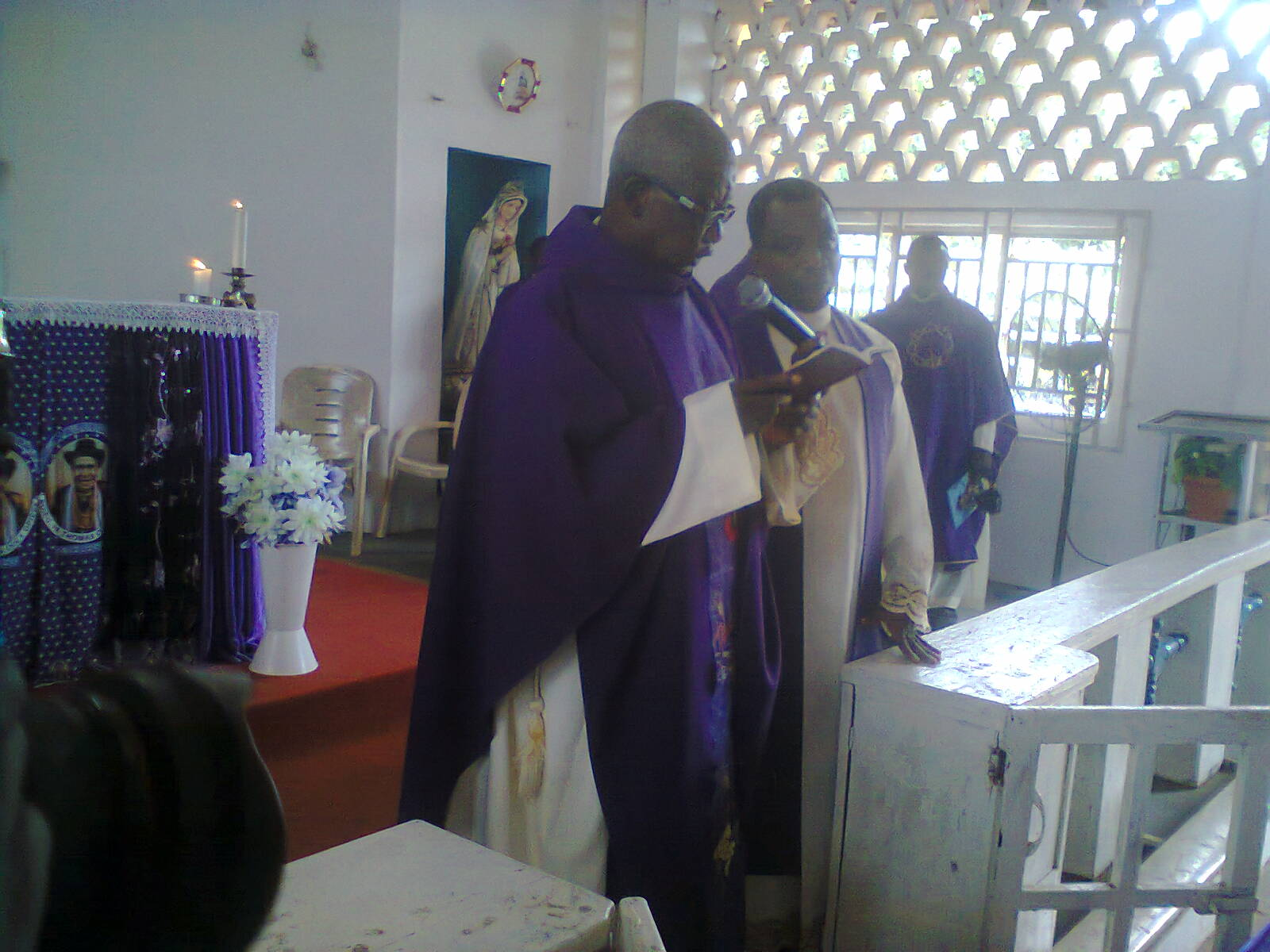 Vicar General preaching to the congregation