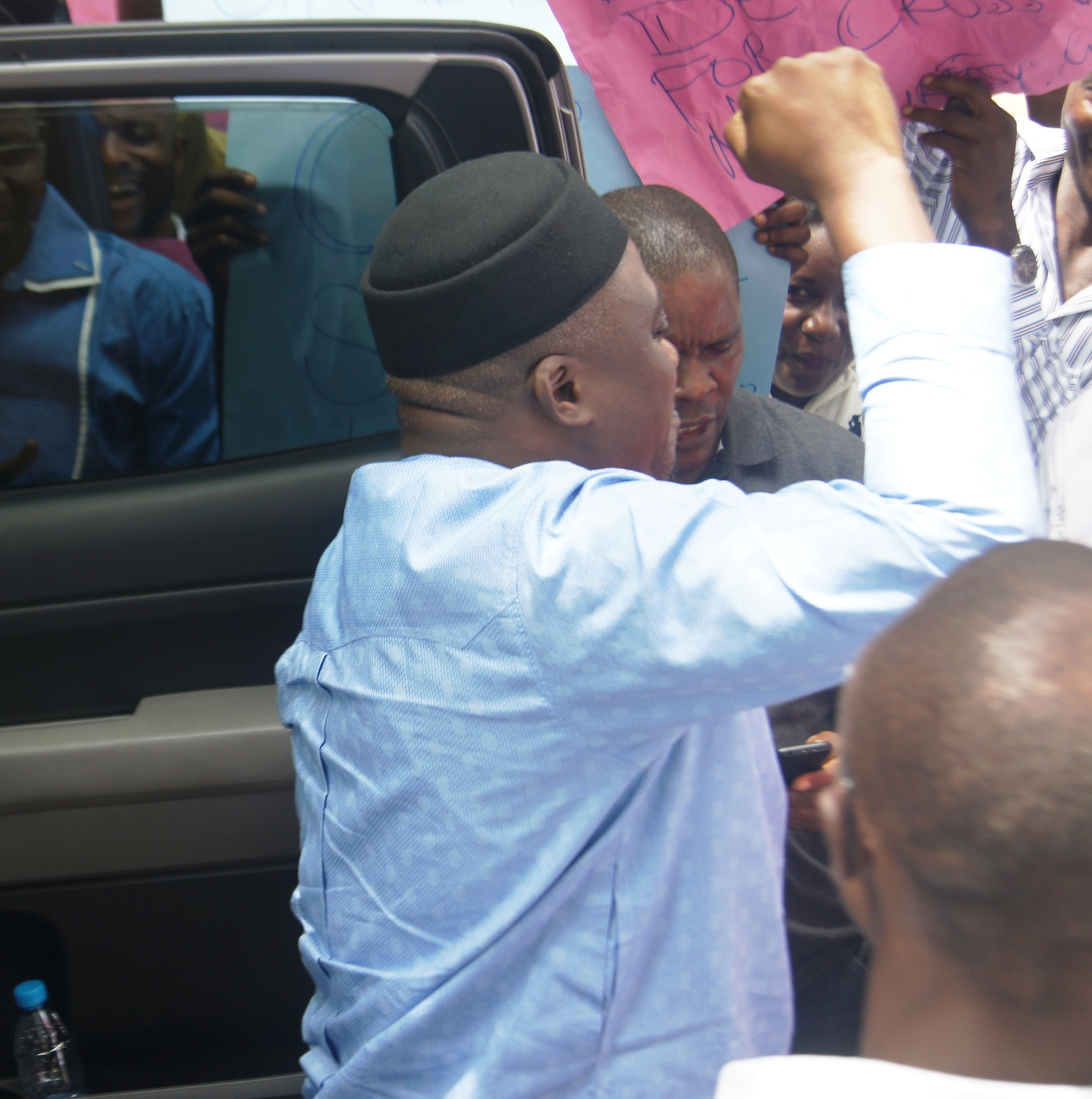 Mr. Legor Idagbo arriving for the Akpabuyo caucus meeting