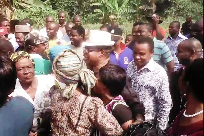 Prof. Ivara Esu being received by his people