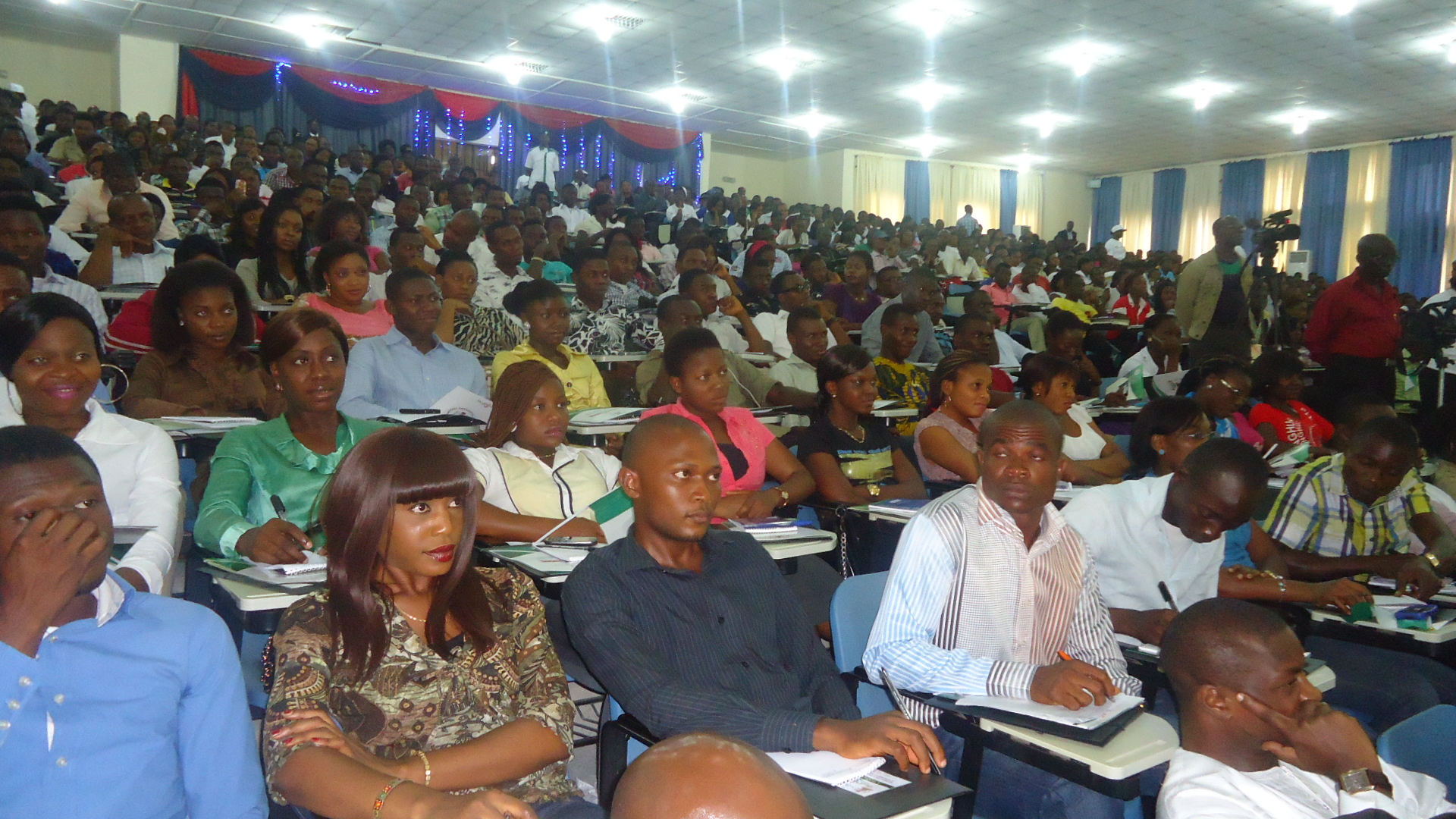 Expectant students (file photo)