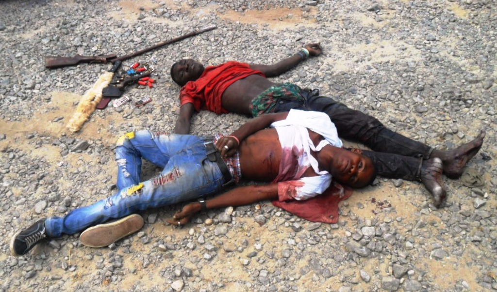 The-alleged-armed-robbers-shot-dead-and-the-recovered-arms