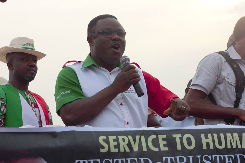 Senator Ben Ayade speaking at the PDP campaign rally in Calabar South