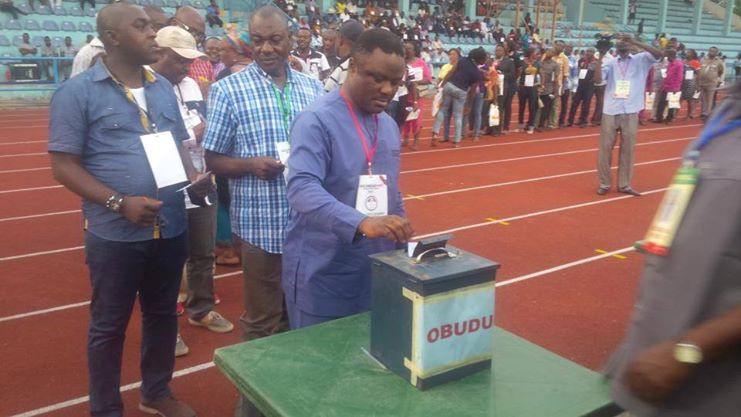 Senator Ayade followed by the Obudu PDP Chapter Chairman and the Executive Chairman of Obudu during the PDP  primaries at the UJ Esuene Stadium in Calabar