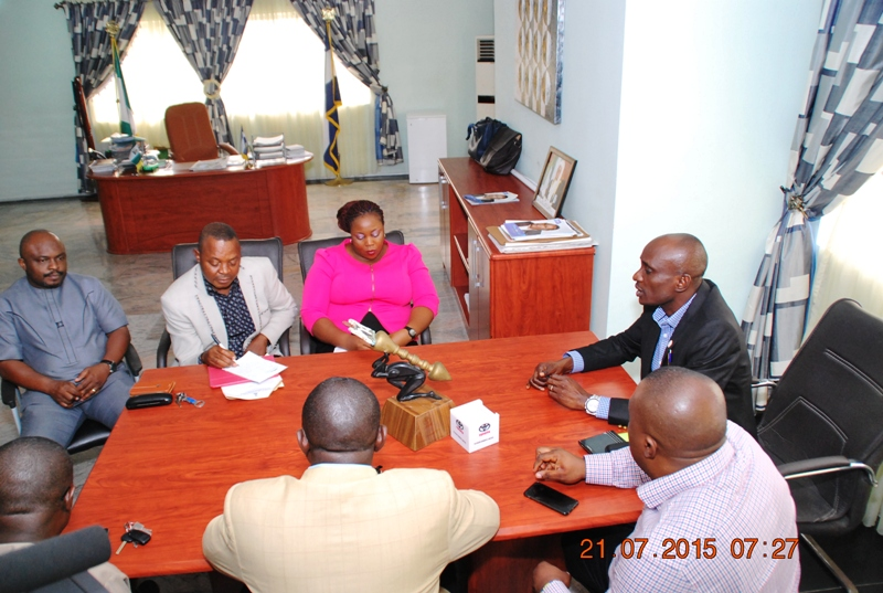 Speaker of the CRSHA and some Members, interfacing with officials from DIDC