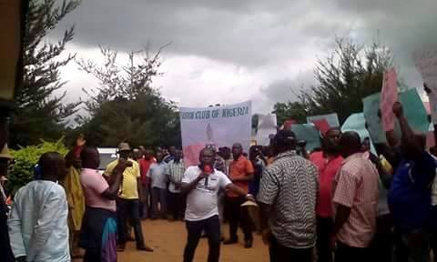 Obudu residents protesting power outage during the week