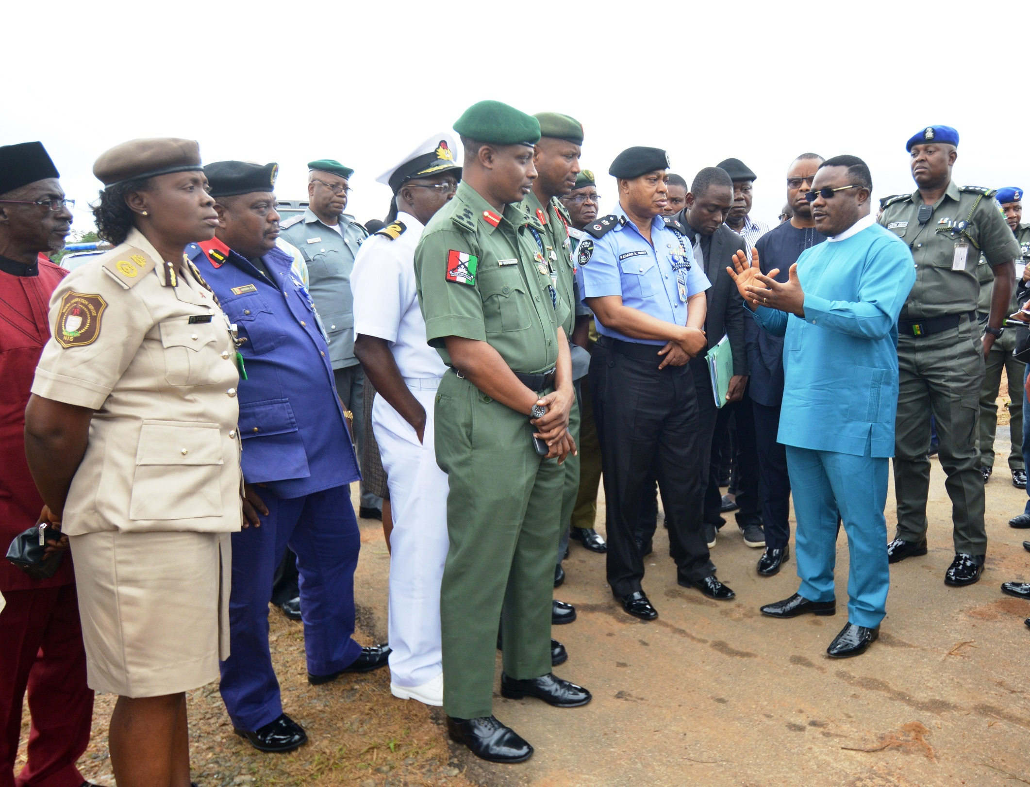 Cross River State Governor, Senator Ben Ayade(R) with service commanders at a portion of the 240km Super Highway where work is ongoing ahead of President Buhari's visit for the ground breaking ceremony on Monday 21st September