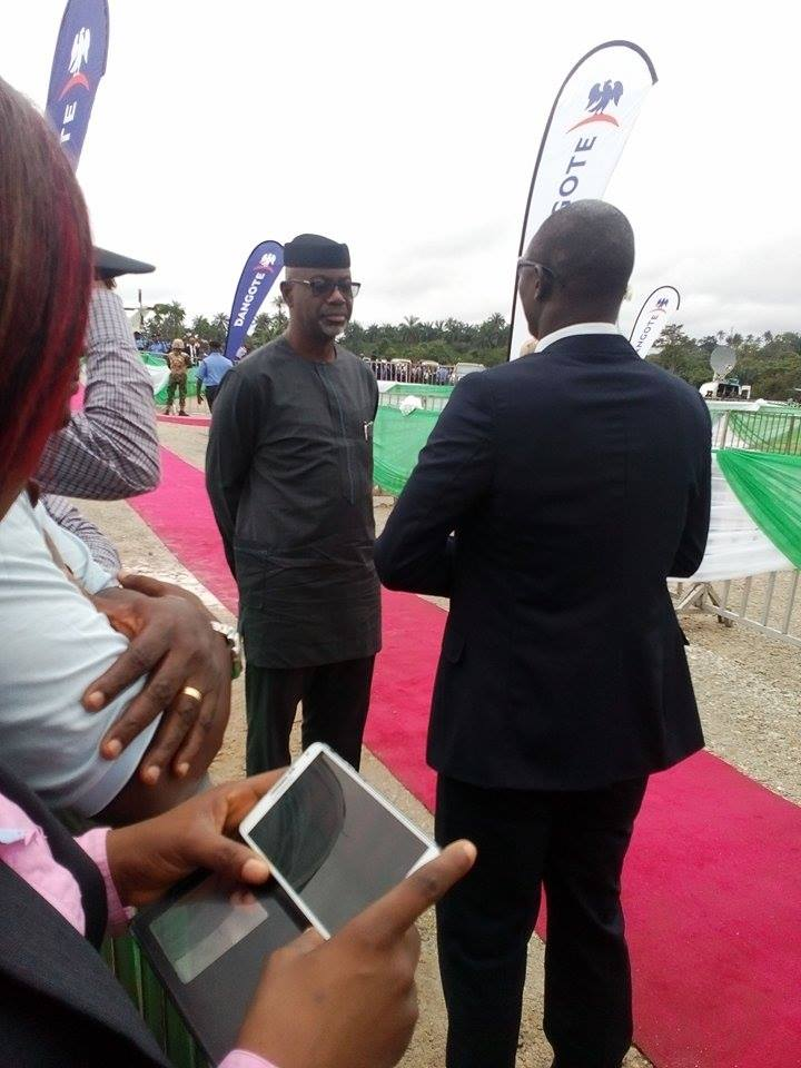 Former Governor Imoke blocked by a presidential security aid from accessing stage at groundbreaking ceremony