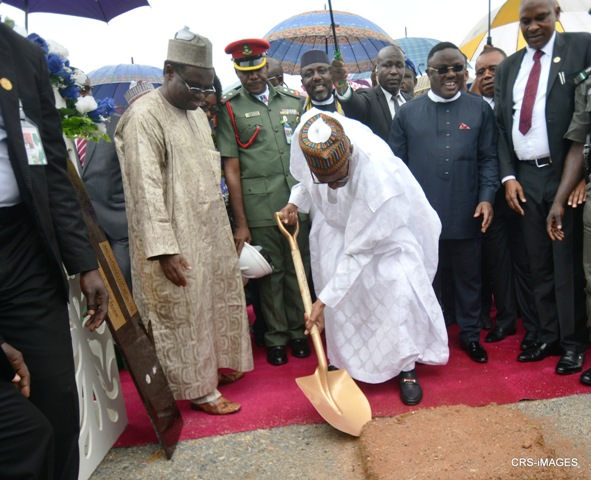 President Buhari performing the groundbreaking for the 260km super highway