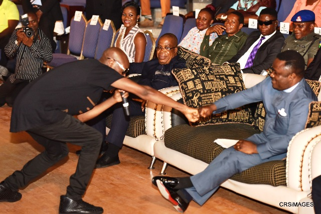 "Governor Ayade and 2Face Idibia ""Chopping D Knuckle"""