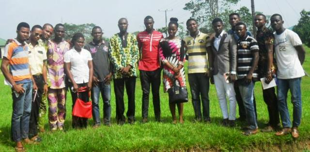 Participants in a photo session after the meeting
