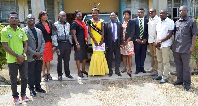 Members of management of Mountain cinema and the Obudu Face of Culture Queen in a group photograph with the Management of Cross River Newspaper Coorperation after the courtesy visit