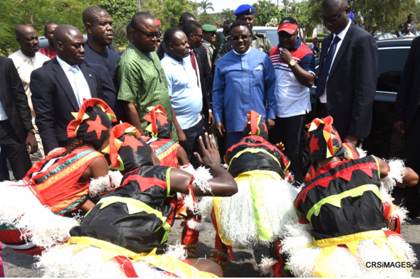 Bauchi Cultural Troupe, Winners of the 2015 Best Cultural Troupe of the Calabar Festival prostrating to the State Governor who is flanked by his brother, Frank Ayade and the SSA, Governor's Office, Ken Aklah.
