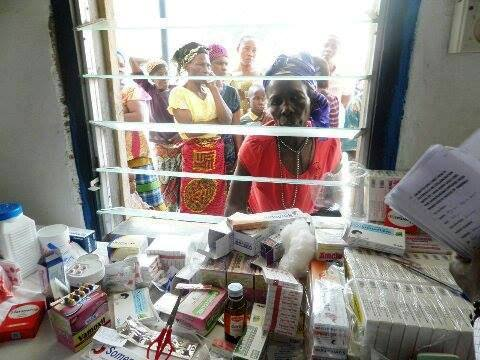 Beneficiaries queuing to collect drugs