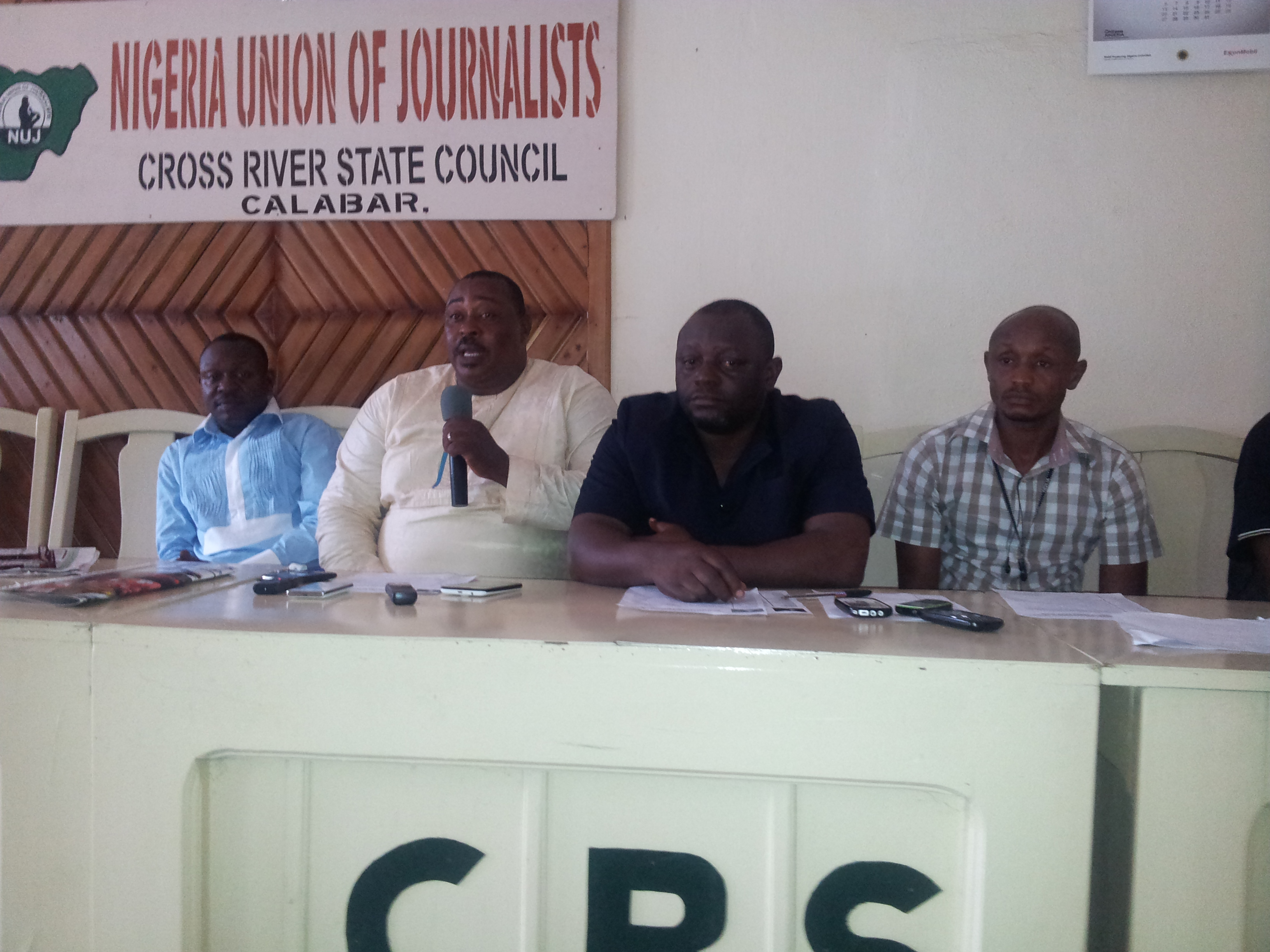 (1st from left) Chairman NUJ CRS and some members of exco addressing a cross section of journalists (file pix)