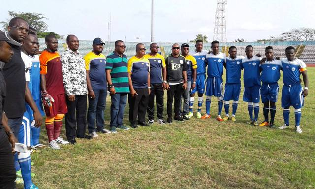 Cross River Deputy Governor, Ivara Esu (middle) flanked by the Chairman of the State Sports Commission, Orok Duke to the right and the State Commissioner for Sports, Asu Okang, SA Inter Governmental Affairs, Austin Ibok to the left along with the victorious Rovers FC