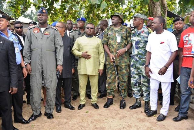 Governor Ben Ayade (M), State Security Adviser, Jude Ngaji (in white native) and other security chiefs on an inspection tour in Calabar (file picture)