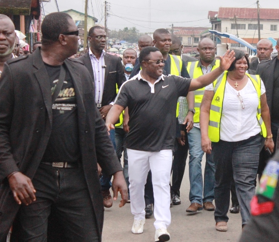 Governor Ayade leading a cleaning exercise in Calabar last year (file pix)