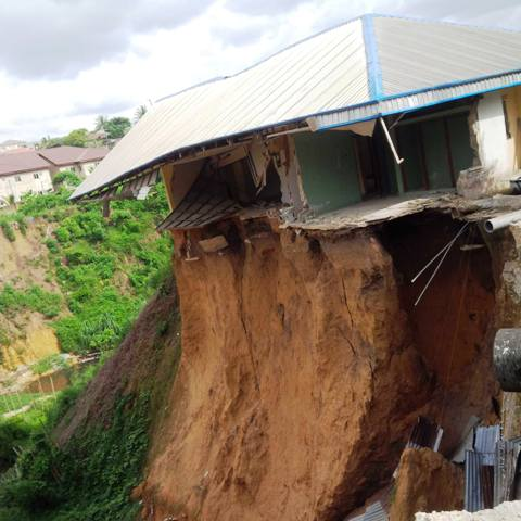 Buildings caving in at Parliamentary Extention in Calabar - (Picture credit: Tijah Bolton Akpan)
