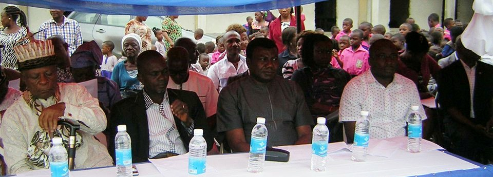 Representative of the Deputy Governor, Mr. Godwin Ettah, Odukpani LGA Chairman, Mr. Bassey Asuquo, Paramount Ruler of Odukpani LGA and State Coordinator, Neglected Tropical Diseases (NDT), Mr. Hillary Adie at the flag off of the de-worming exercise in Odukpani
