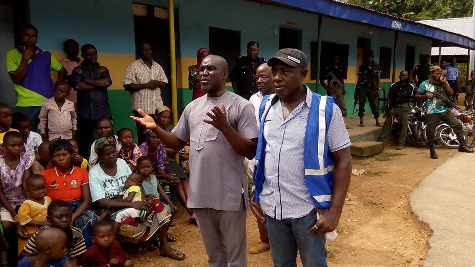 Obanliku council chairman Jerry Ashua (left) and DG SEMA John Enaku (right) addressing some of the internally displaced person (IDPs ) at the divisional Police headquarters Sankwala.