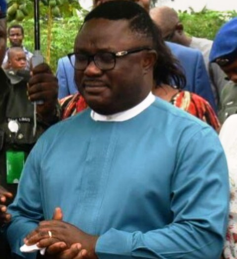 Governor Ayade in tears as he saw the deplorable condition of one of the camps for the Bakassi returnees yesterday