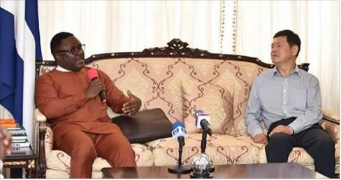 Governor Ben Ayade of Cross River and Yongsheng Cao, Chairman of Chinese firm Wuhan Longfecund Agricultural Development Company Limited when the later paid him a courtesy call Wednesday in Calabar