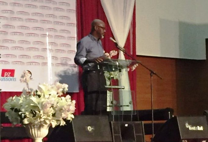 Former governor, Senator Liyel Imoke speaking at the Bridge Leadership Foundation annual career day in Calabar yesterday