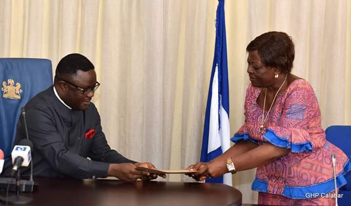 From L-R Cross River State Governor, Professor Ben Ayade with the Federal Commissioner Representing Cross River State in Revenue Mobilization and Fiscal Commission, Chief Mrs. Martina Odom, during a courtesy call on the Governor in his office in Calabar. Wednesday (Photo Credit: Govt House Calabar/Dan Williams)