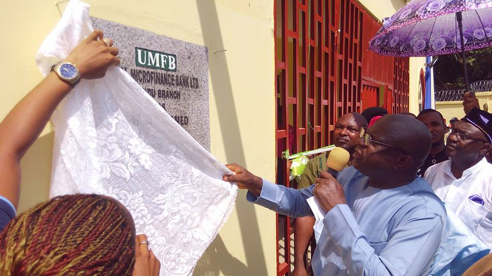 Ayade Commissions UNICAL Micro Finance Bank In Vice Chancellor's Village