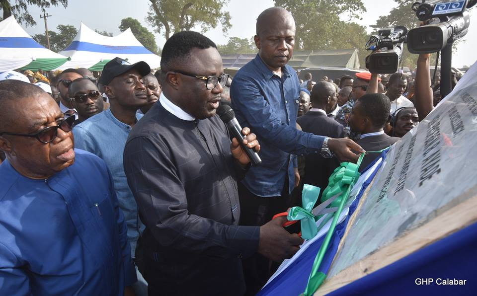 Governor Ayade flagging of work on the dual carriage way in Northern Cross River state.